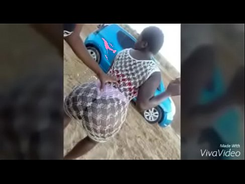 Angola: Angolana Celma Rival a foder até atingir o orgasmo (Porno Angolano)